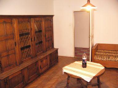 Predám 3-izbový byt v centre Bratislavy/I am selling a 3-room flat in the center