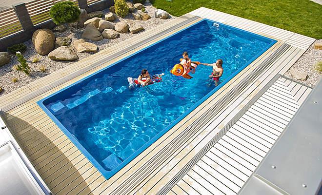 Bazén dookola